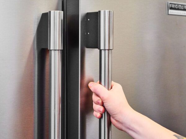 antimicrobial fridge door wrap protects hands against germs